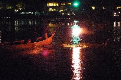 小舟の篝火